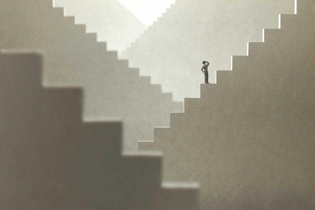 階段をのぼる人|【2021年】アドセンス審査に通らない人のための解説!|賢く稼げ!副業ブログ・アフィリエイト